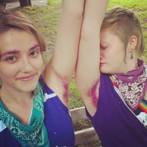 glitter-armpits-women-instagram-10