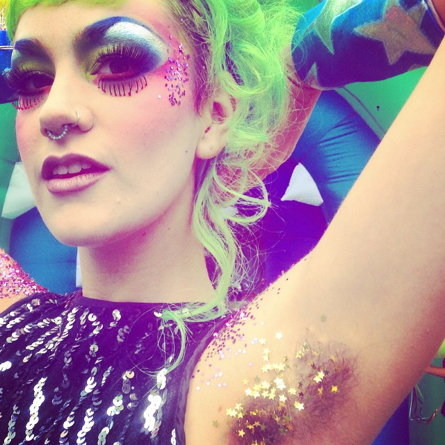 glitter-armpits-women-instagram-7