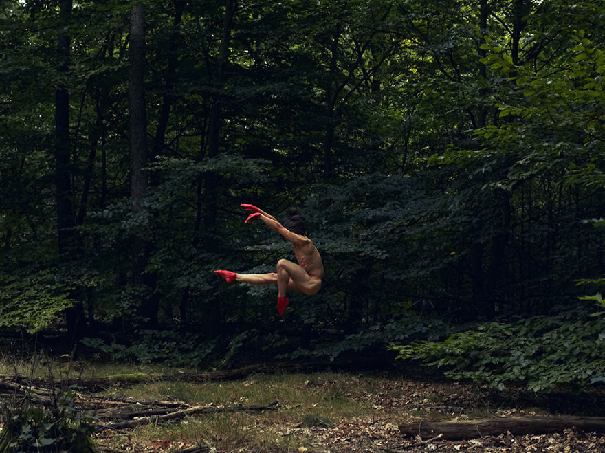 This-Swedish-Photographer-Captures-Mindblowing-Images-of-Dancers-in-Nature6__880