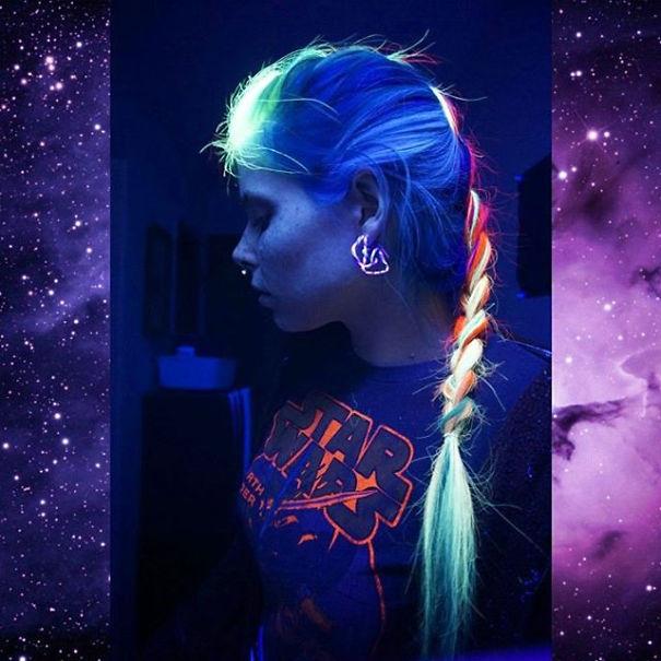 glow-in-dark-blacklight-hair-high-voltage-classic-manic-panic-6__605