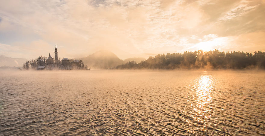 i-photographed-lake-bled-on-a-fairytale-winter-morning-11__880