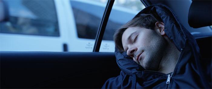 inflatable-sleep-hoodie-hypnos-20