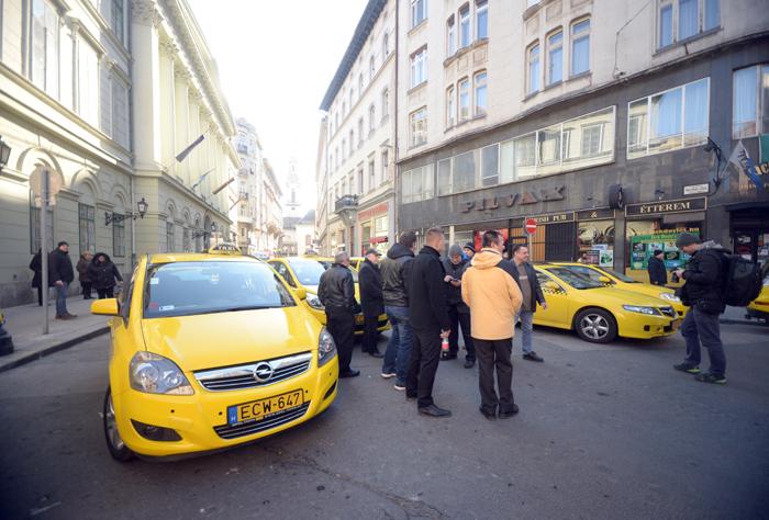Taxis tüntetés az Uber ellen