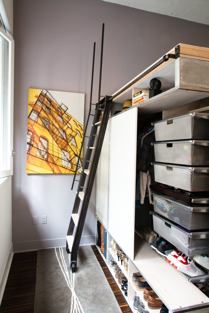 The-Domino-Loft-ladder-to-loft-bed