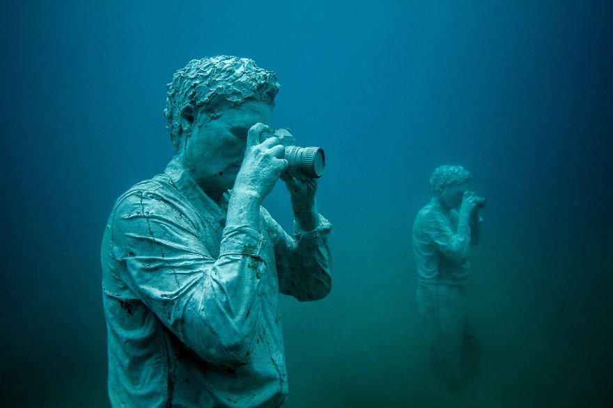 breathtaking-underwater-museum-turns-ocean-floor-into-art-gallery-and-doubles-as-artificial-ree-16__880