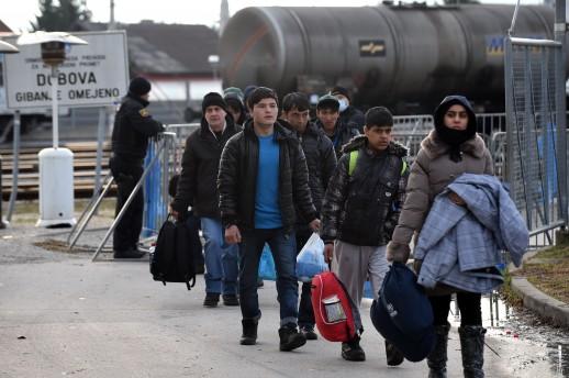 Imigrante-u-Sloveniji-legalno-pljacka-policija-U-Hrvatsku-ih-vraca-bez-novcica_ca_large