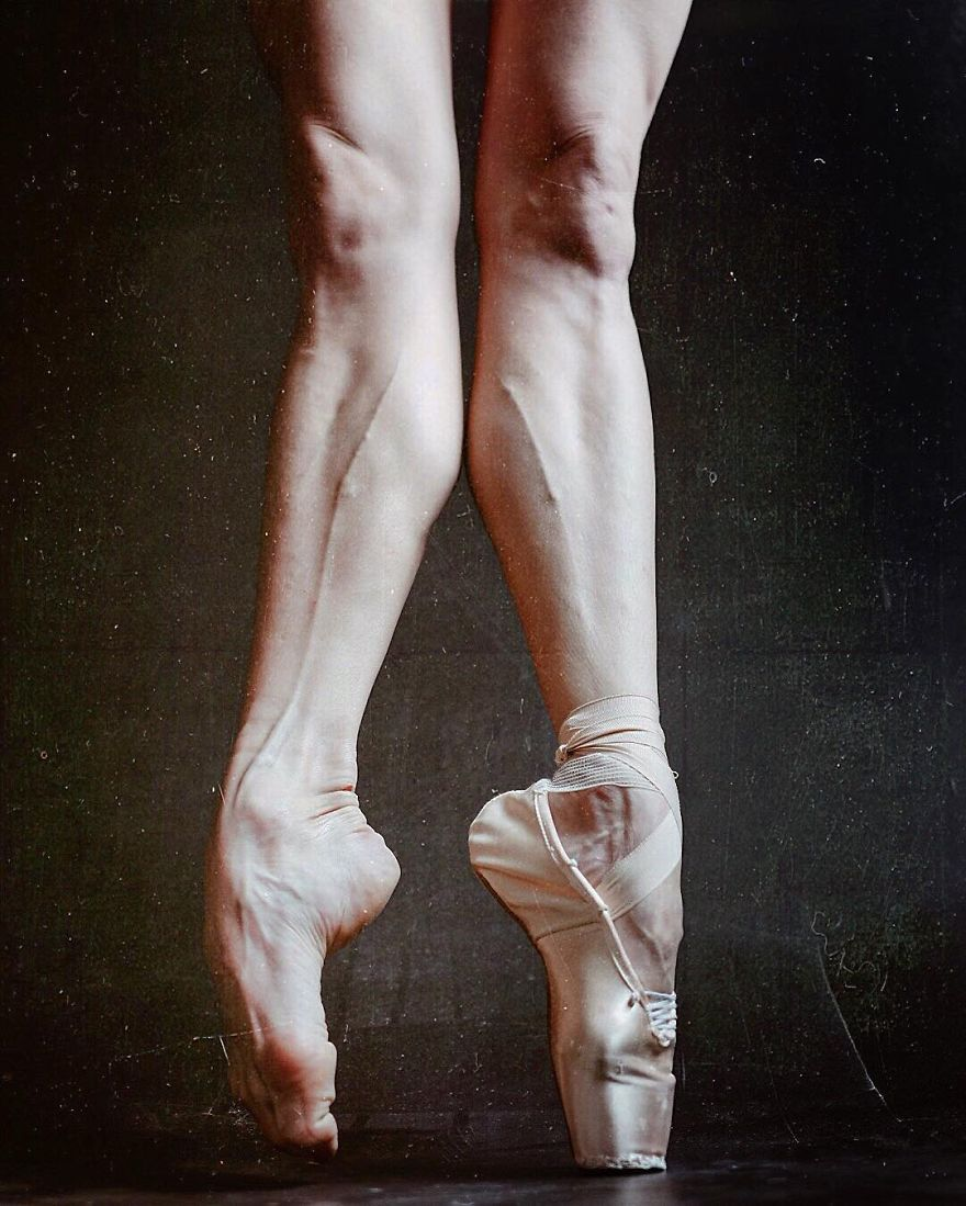 Russian-Ballet-photographer-Darian-Volkova-shares-behind-the-stage-life-of-dancers21__880