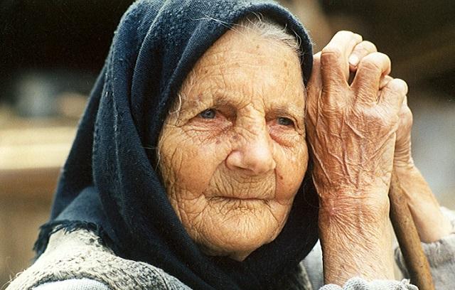 Image result for öreg néni
