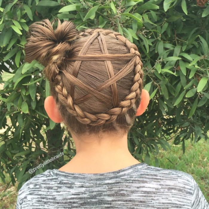 mom-braids-unbelievably-intricate-hairstyles-every-morning-before-school-5__700