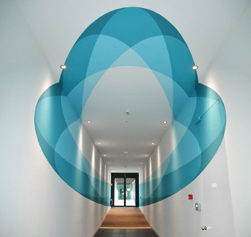 space-oddity-new-truly-design-anamorphic-artwork-2__880