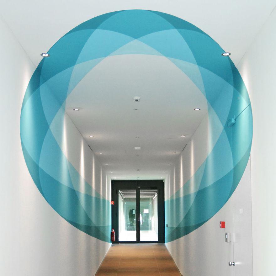 space-oddity-new-truly-design-anamorphic-artwork__880