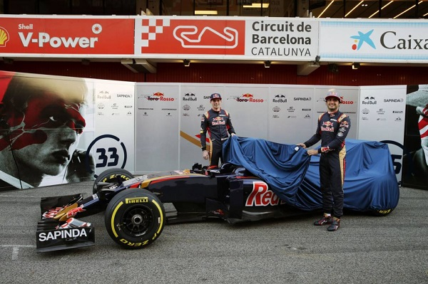 (L to R): Max Verstappen (NLD) Scuderia Toro Rosso and Carlos Sainz Jr (ESP) Scuderia Toro Rosso unveil the livery for the Scuderia Toro Rosso STR11. 01.03.2016. Formula One Testing, Day One, Barcelona, Spain. Tuesday. - www.xpbimages.com, EMail: requests@xpbimages.com - copy of publication required for printed pictures. Every used picture is fee-liable. © Copyright: Moy / XPB Images