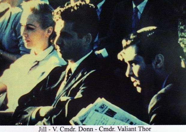 Jobb oldalon Thor a vénuszi férfi