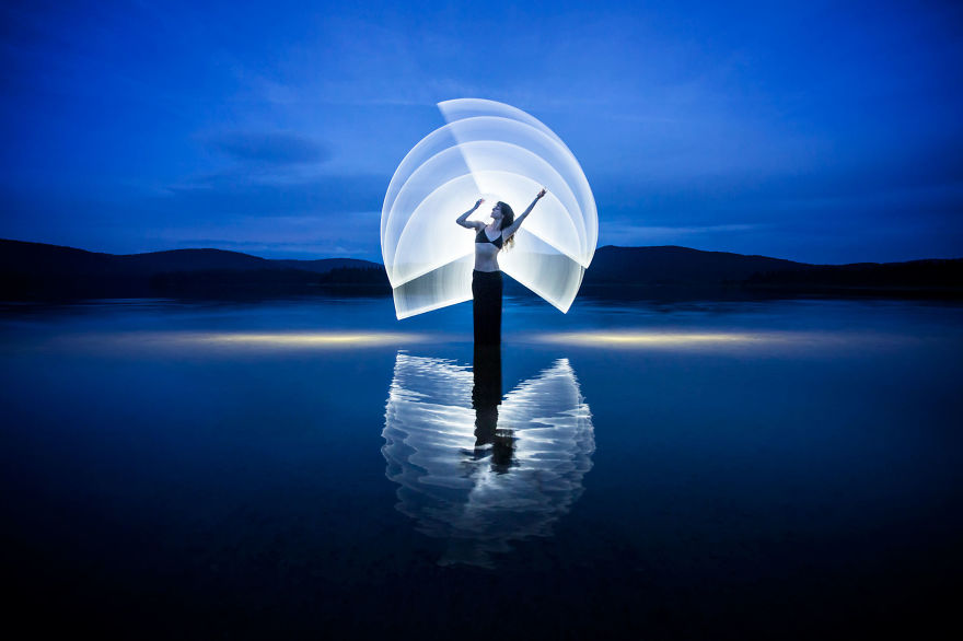 Light-painting-fantasies-5721809290a0b__880