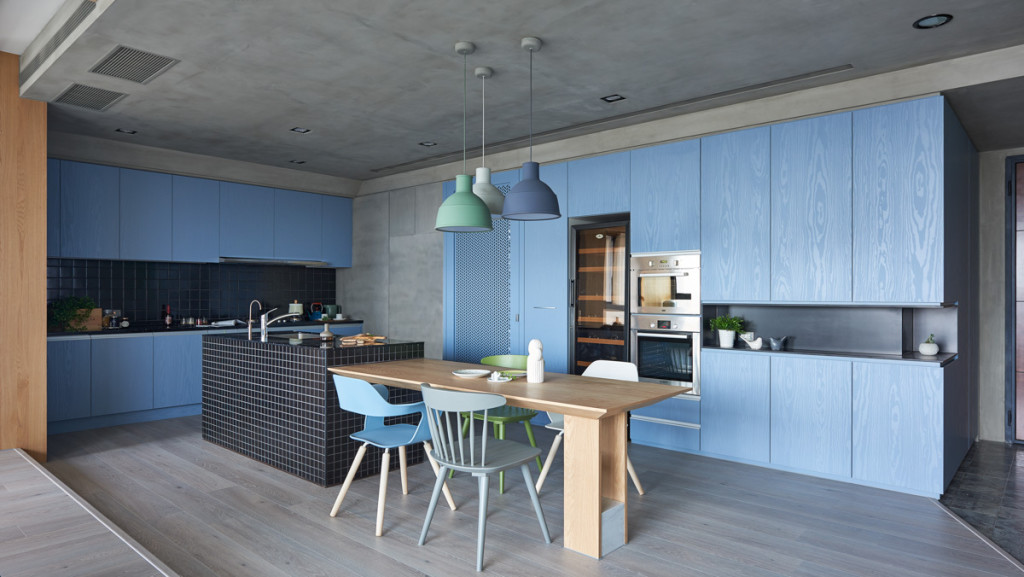 blue-and-green-family-kitchen-design