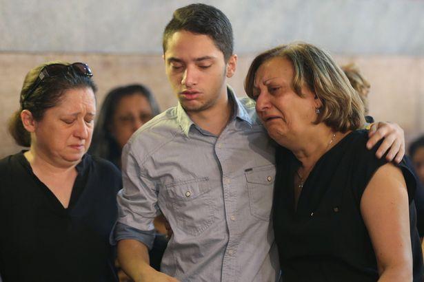 Gyászoló család