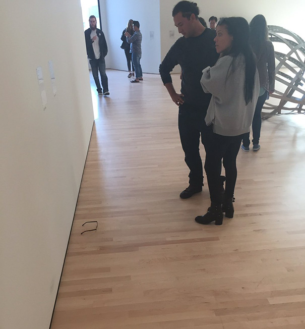 art-gallery-glasses-prank-tj-khayatan-4