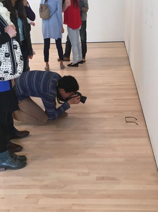 art-gallery-glasses-prank-tj-khayatan-9