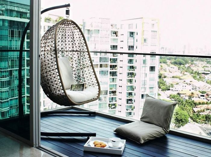 balcony-decorating-ideas-70-573db584cbbbb__700
