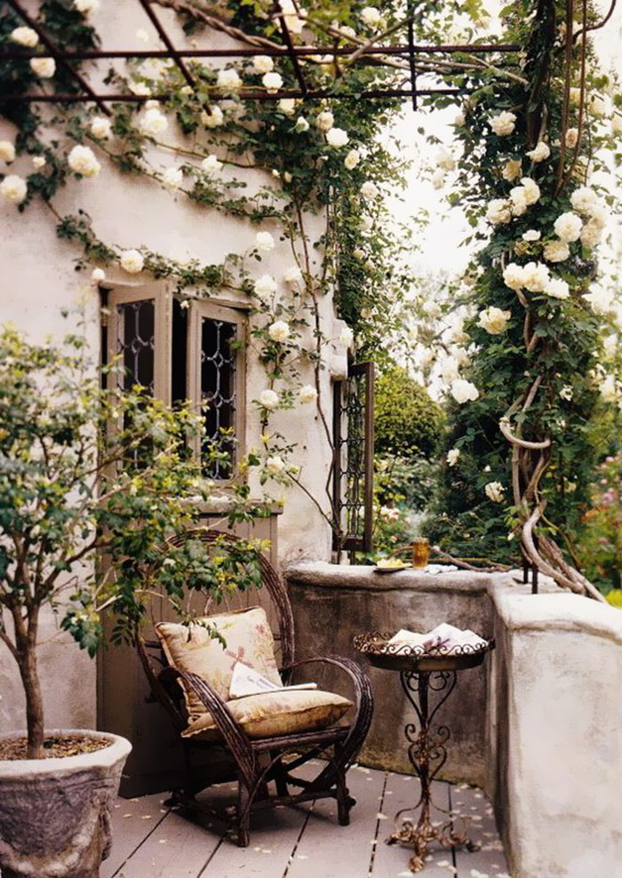 balcony-decorating-ideas-71-573db72c25b73__700