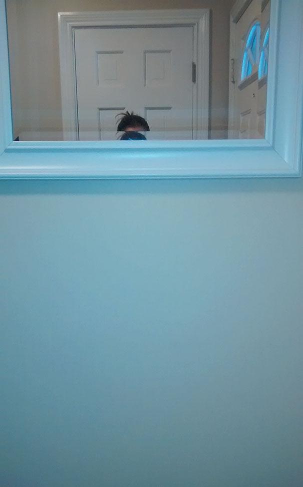A férjem felakasztotta nekem a tükröt.