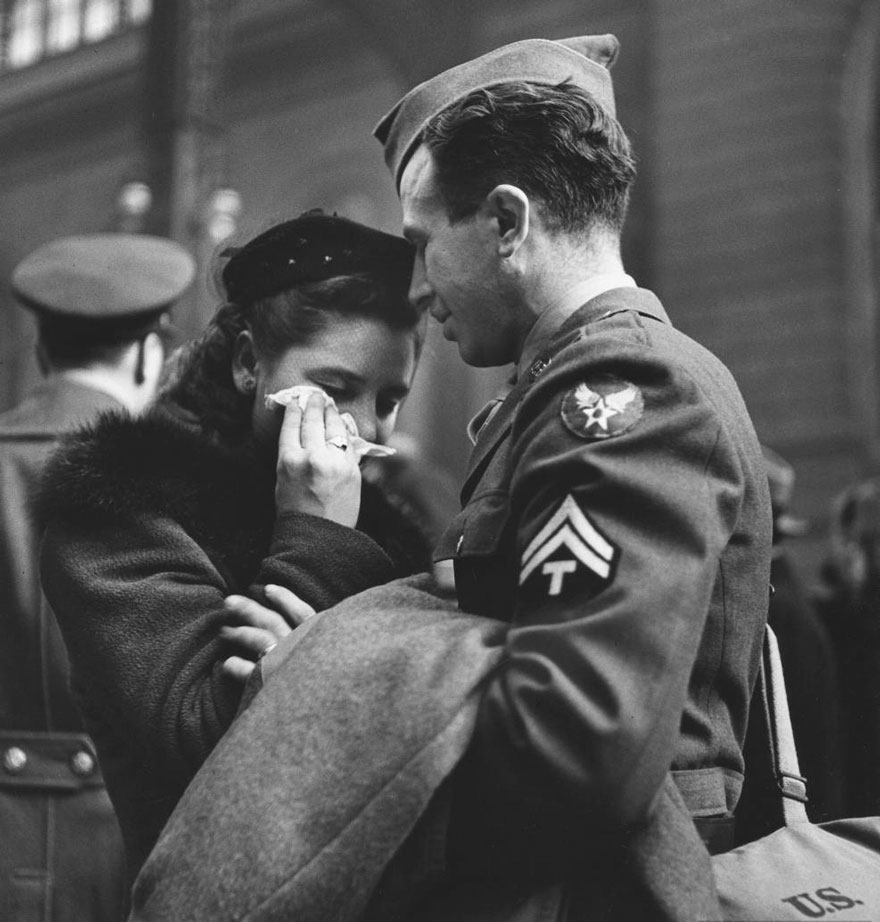 old-photos-vintage-war-couples-love-romance-48