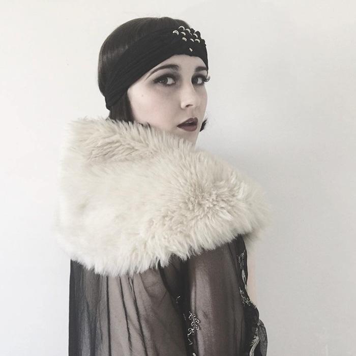 teen-recreates-classic-vintage-retro-look-bewitchedquills-annelies-maria-francine-6-57397670dee55__700