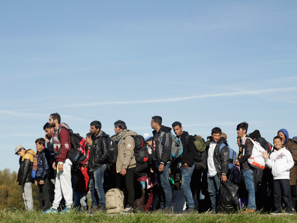 Bavaria Complains As Austrians Shuttle Migrants To Border Region