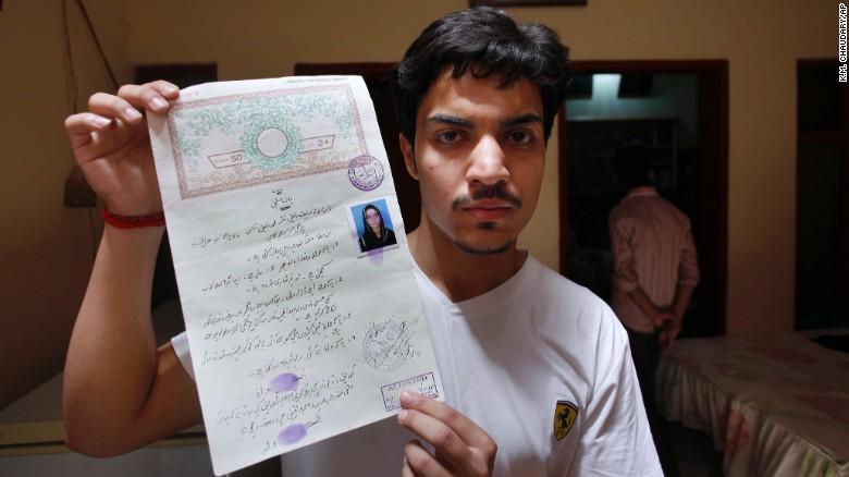 160609101024-01-pakistan-zeenat-rafiq-exlarge-169
