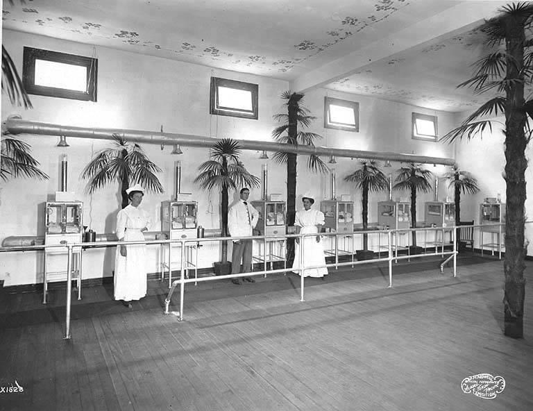 Baby_incubator_exhibit_A-Y-P_1909