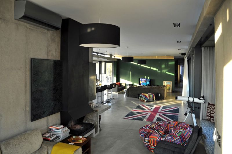 House-Gauche-living-space