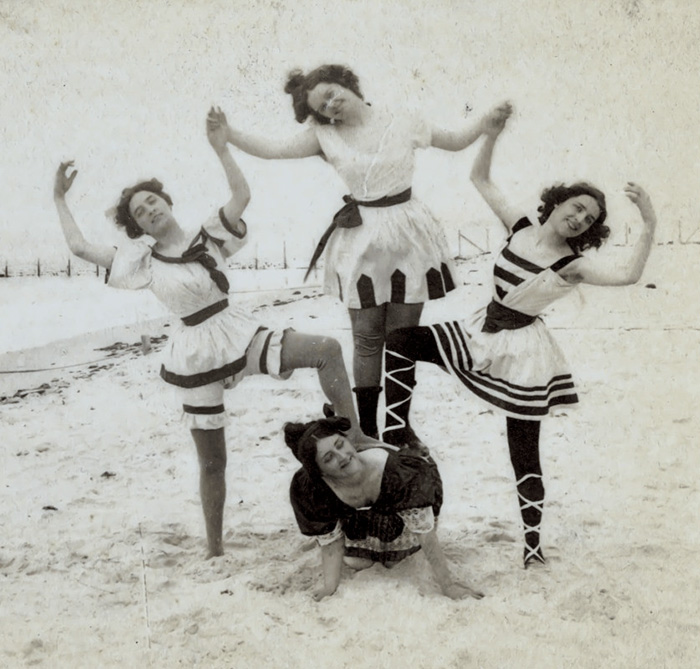 funny-victorian-era-photos-silly-vintage-photography-1-575124eed457b__700