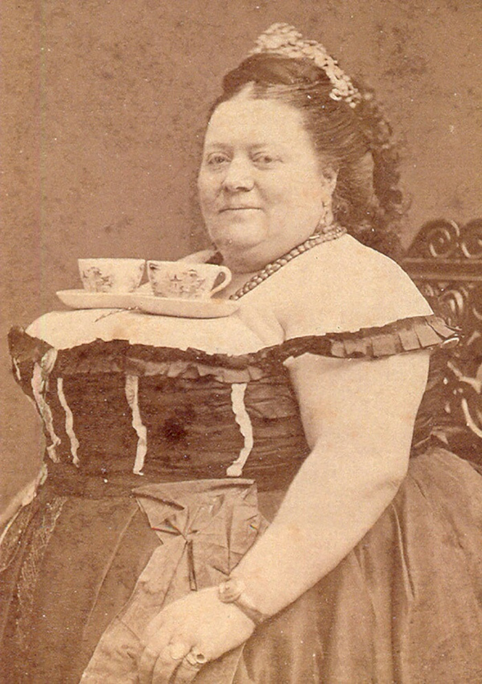 funny-victorian-era-photos-silly-vintage-photography-28