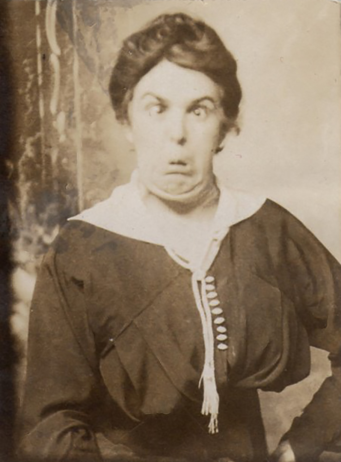 funny-victorian-era-photos-silly-vintage-photography-8-575130d540ffe__700