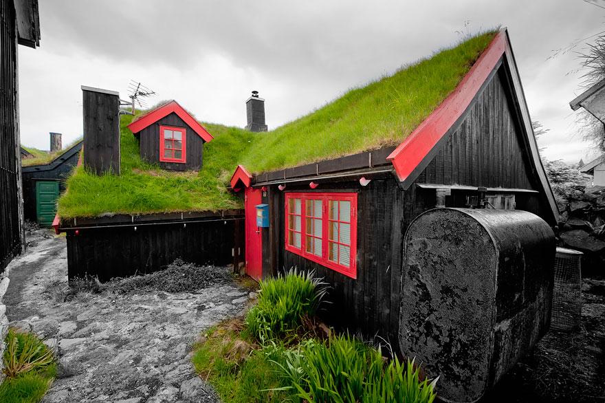 grass-roofs-scandinavia-3-575fe6d71934f__880