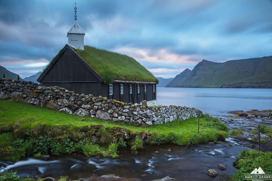 grass-roofs-scandinavia-6-575fe6ddca755__880 (1)