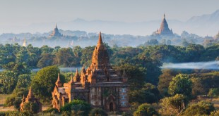 photodune-6858365-the-temples-of-bagan-at-sunrise-bagan-myanmar-m-1200x800