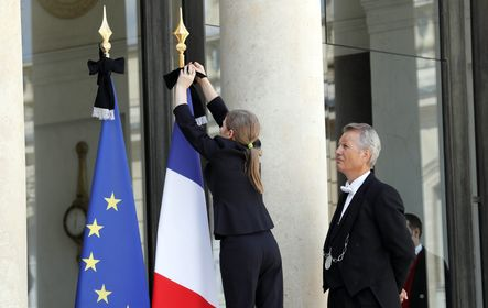 Háromnapos nemzeti gyász Franciaországban a nizzai támadás után