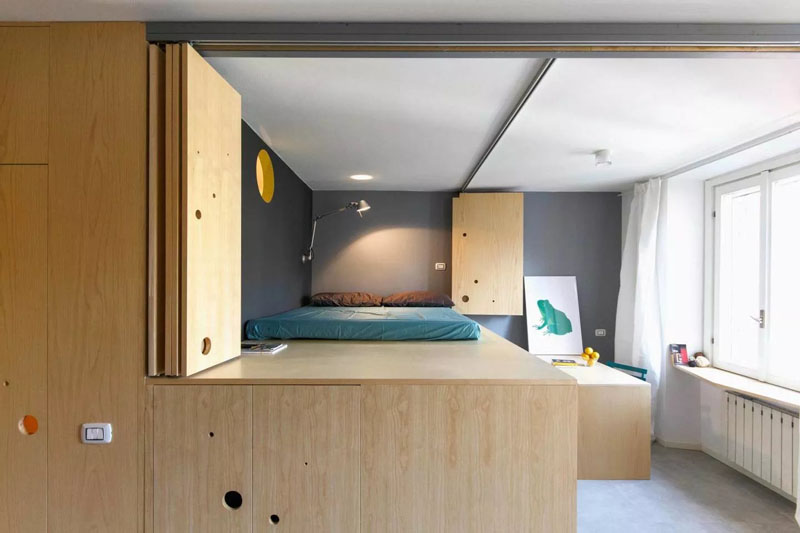 Small-apartment-in-Milan-lofted-bedroom-and-dining