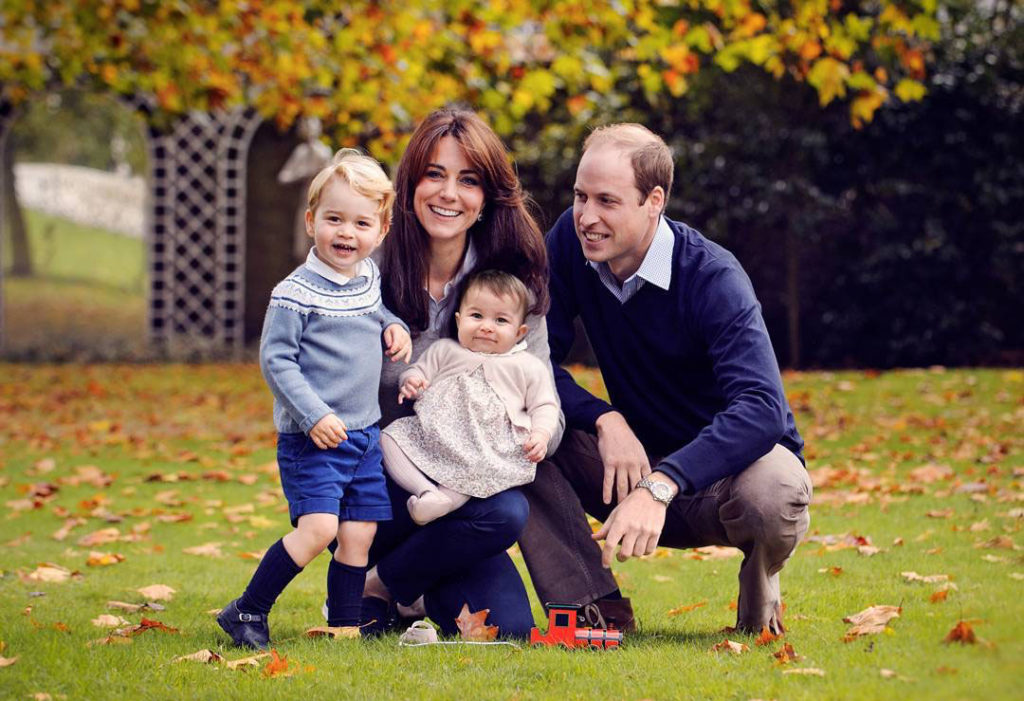 royal-family-photo-kate-middleton-prince-william-george-charlotte1