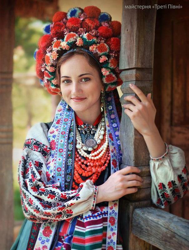 traditional-ukrainian-crowns-treti-pivni-36-57985c08ebdf5__605