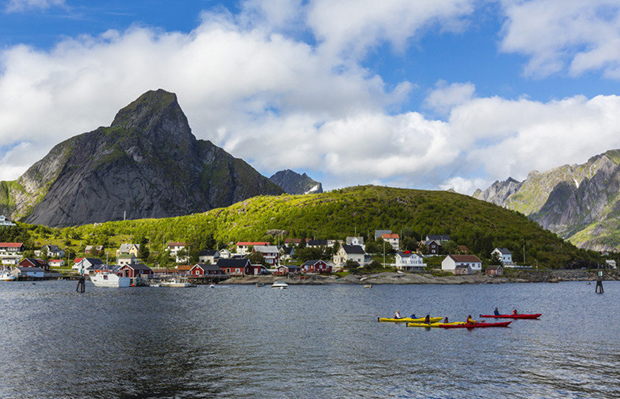 Norwegian cod fishing town of Reine, Lofoton Islands, Norway, Scandinavia, Europe