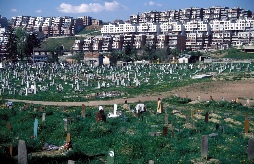 A szarajevói olimpiai komplexum maradványai