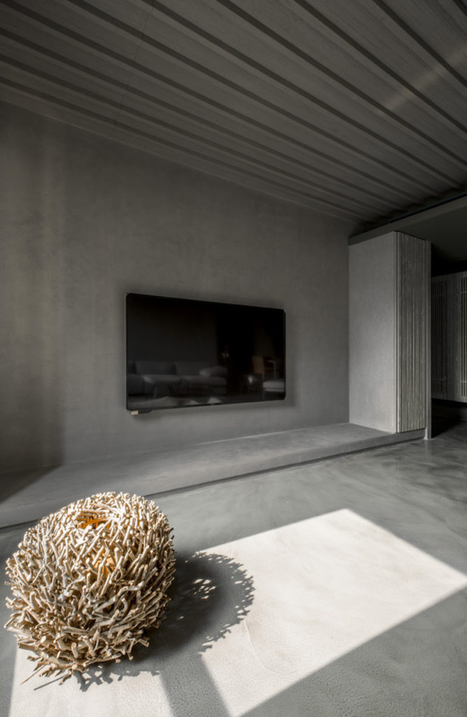 Modern-Chinese-apartment-TV-area