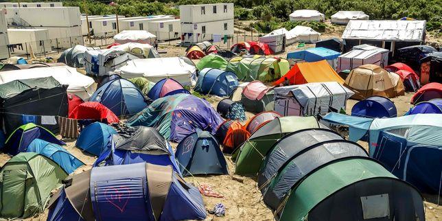 4980609_3_888d_la-jungle-camp-de-migrants-pres-de-cala_6c6189ef8e36c68f87ff00ec953647a1