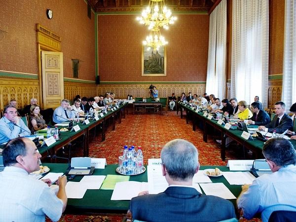 Kárpát-medencei Autonómia Tanács (KMAT)