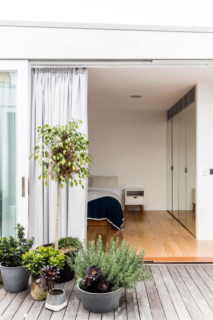 Open-bedroom