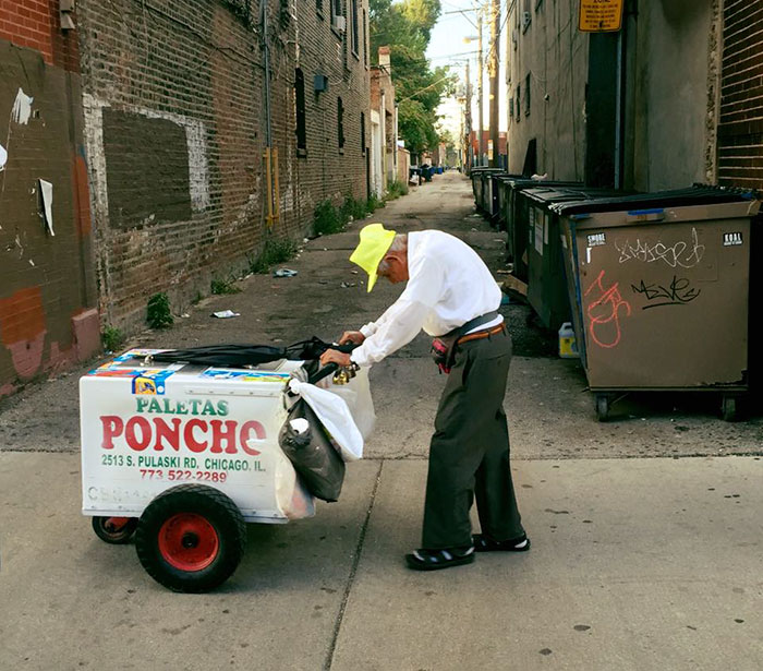 senior-man-pushing-cart-popsicle-street-seller-fundraiser-fidencio-sanchez-1