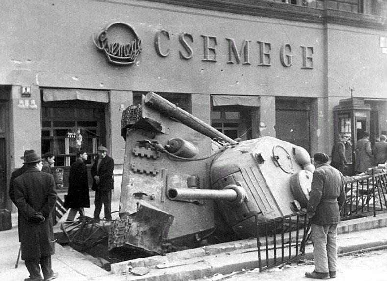 1956-harckocsi-aluljaro