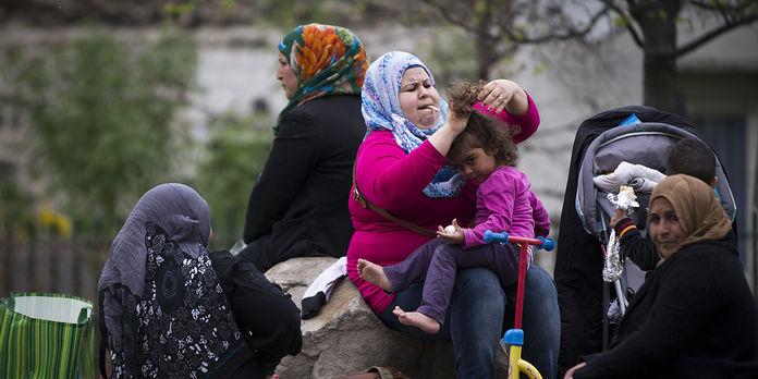 4753330_3_11f0_refugies-syriens-dans-le-parc_666287af2c161efd137651098e5a45b3